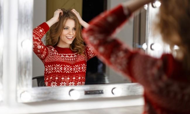 Празнични прически - как да оформите косата за Коледа и Нова година?