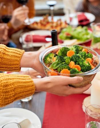 Как да се храните по-здравословно по време предстоящите празници?