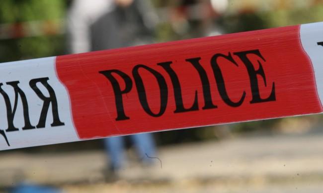 Откриха изгорял джипа, с който са избягали извършителите на грабежа в Перник