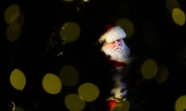 Дядо Коледа потегли по света да раздаде подаръците
