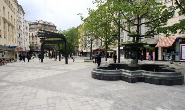"""Пазарът на площад """"Славейков"""" ще се завърне отново напролет"""