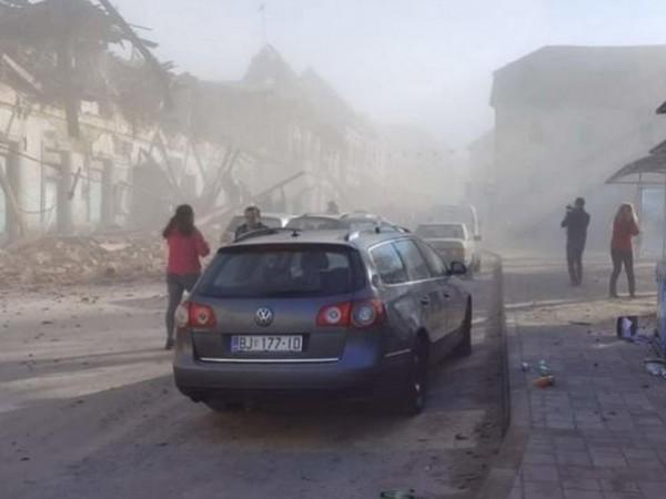 Много разрушени сгради има в хърватския град Петриня след силното