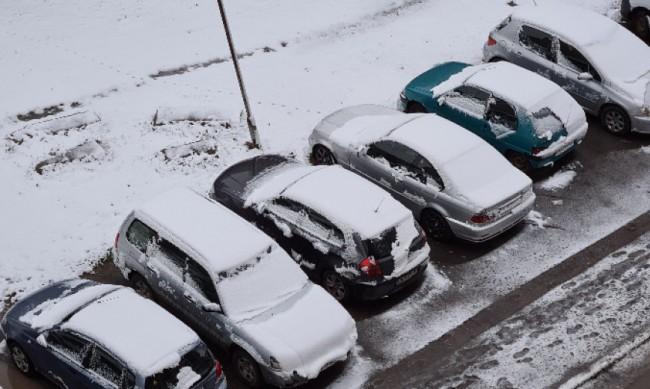 148 снегопочистващи машини излязоха в София