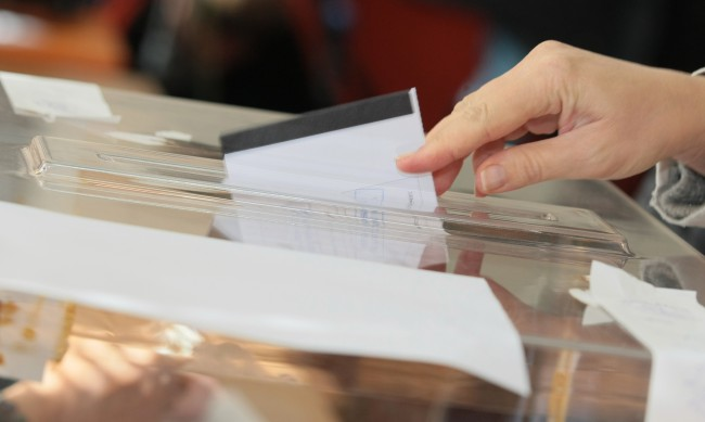 Българи зад граница искат гласуване по пощата