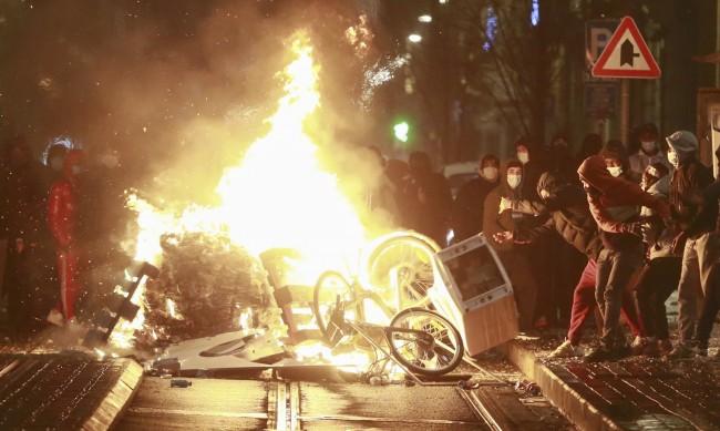 Стотици на протест в Брюксел заради смърт след арест