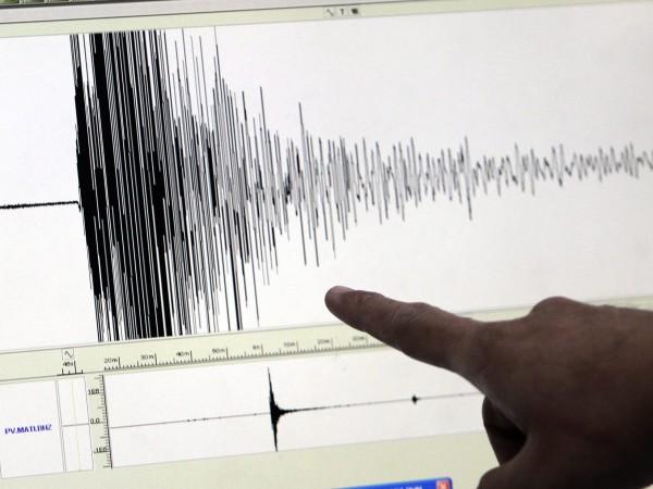 Земетресение с магнитуд 6,2 по Рихтер причини смъртта на трима