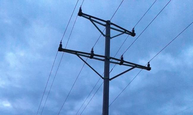 Съседи крадат ток от години, институциите: Не е наш проблем!
