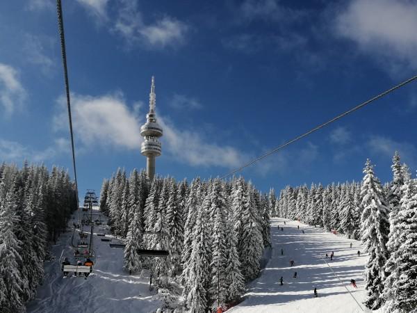 Ски зоната в Пампорово възобновява работа от събота, съобщиха от