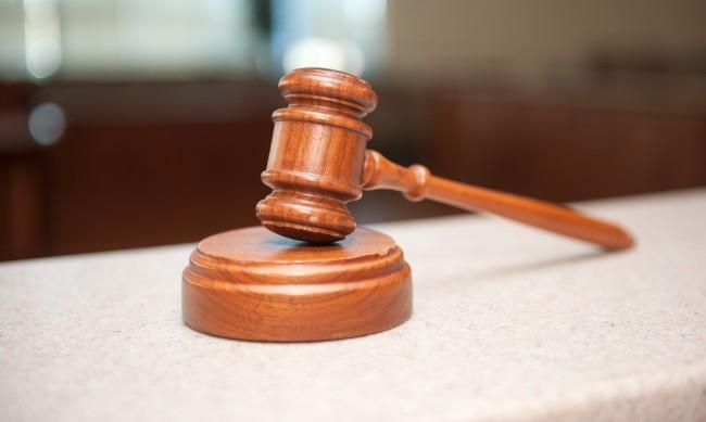 Тримата, пребили и ограбили жена в с. Велино, остават в ареста