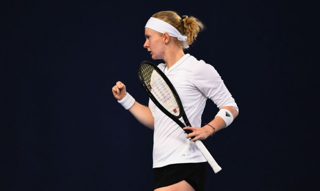 С по 4 пръста на всяка ръка... Тенисистка вдъхнови света и отива на АО