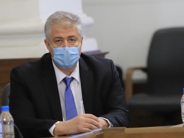 Здравният министър Костадин Ангелов разреши плановите операции от утре, което