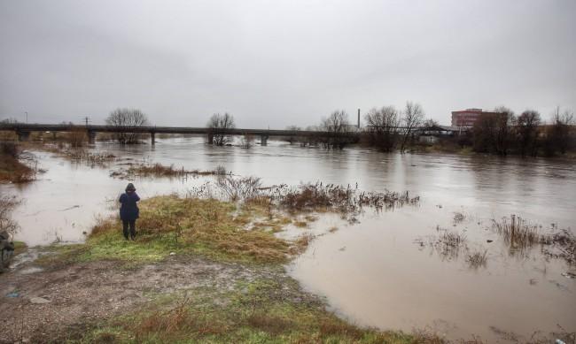 България след водния потоп: Обстановката остава тежка