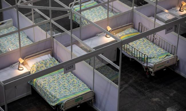 За 5 дни Китай изгради COVID болница с 1500 стаи