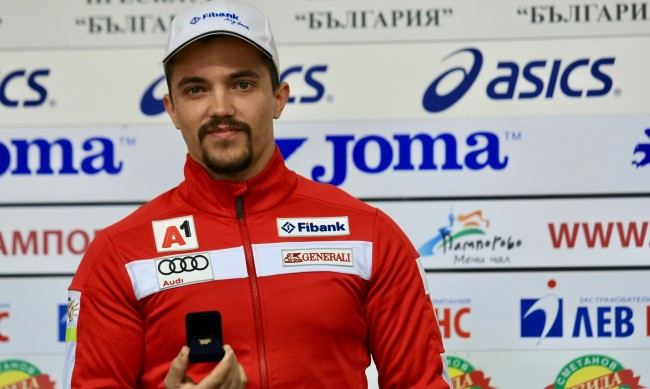 Алберт Попов спечели първи точки за сезона