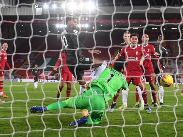 Ливърпул и Манчестър Юнайтед не излъчиха победител и завършиха 0:0