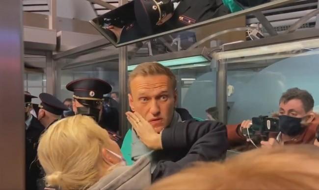Светът реагира остро на задържането на Навални в Москва