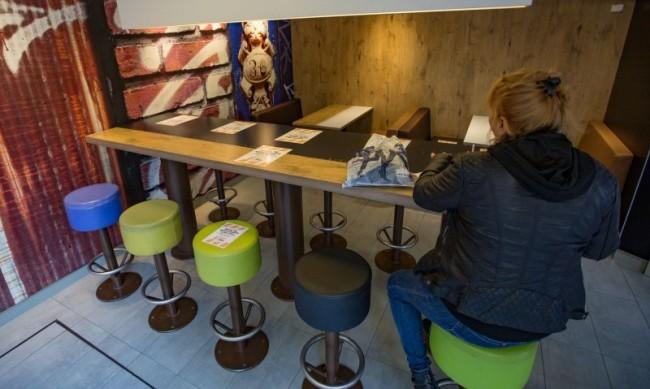 Ресторантите отварят при спад на болните, но ще са пълни на 50%