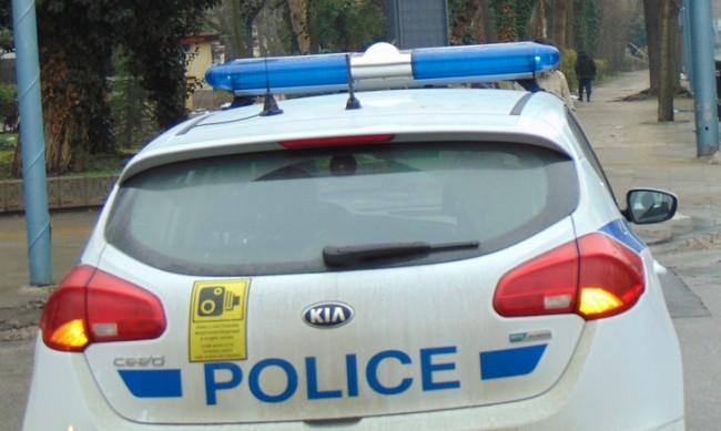 Патрулка блъсна мъж в Дупница