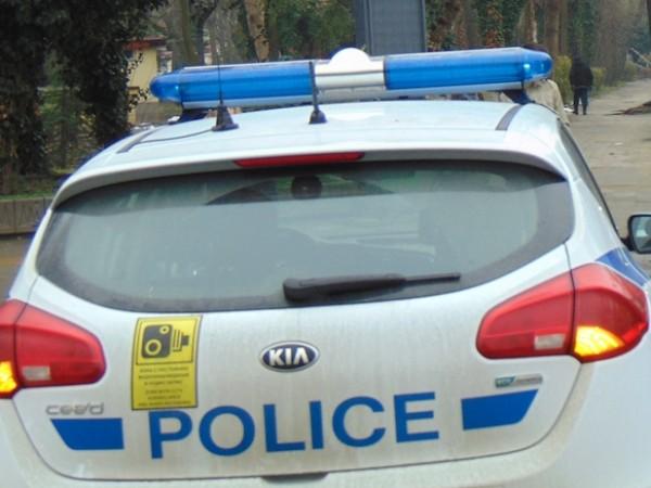 Мъж на 25 години от Дупница е блъснат от полицейски