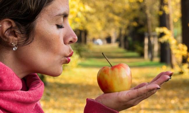 По ябълка на ден - защо да я включите в менюто си?