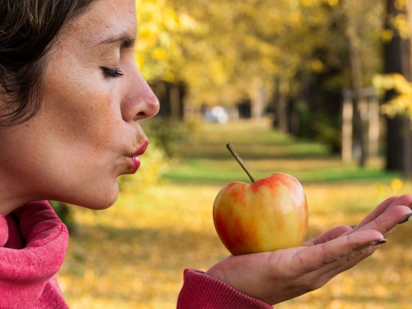 Ябълките са плодовете, които може да открием на пазара през