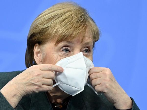 Германският канцлер Ангела Меркел предупреди, че Германия може да се