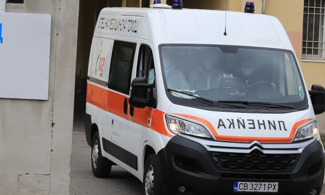 Тежка катастрофа в София, ранени са жена и дете