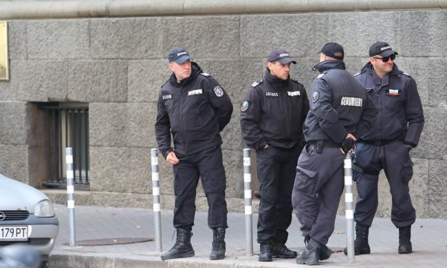Задържаха шефа на разследващите полицаи в Благоевград