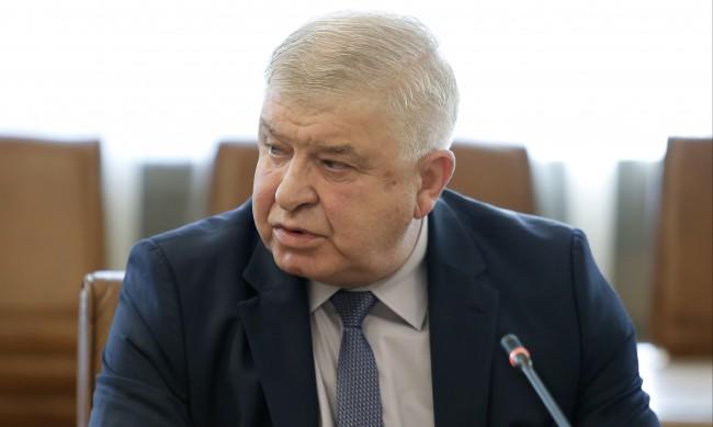 Министърът на финансите Кирил Ананиев е с COVID-19