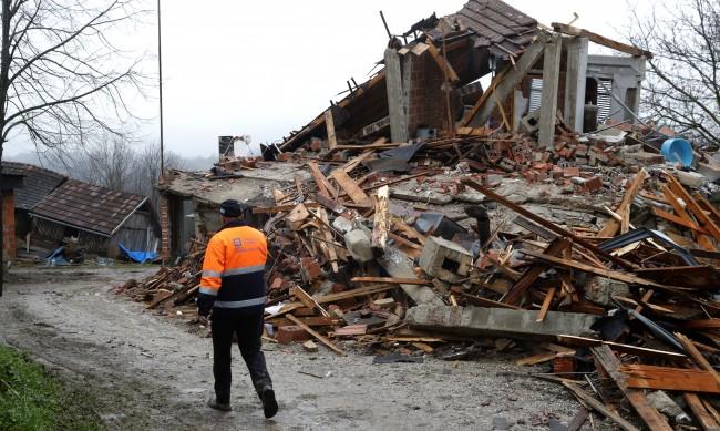 Хърватия - между страха от нови трусове и финансовите проблеми