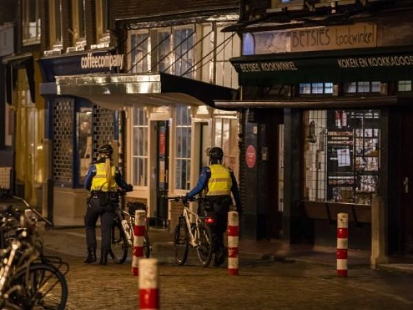 Парламентът на Нидерландия одобри въвеждането на вечерен час в страната