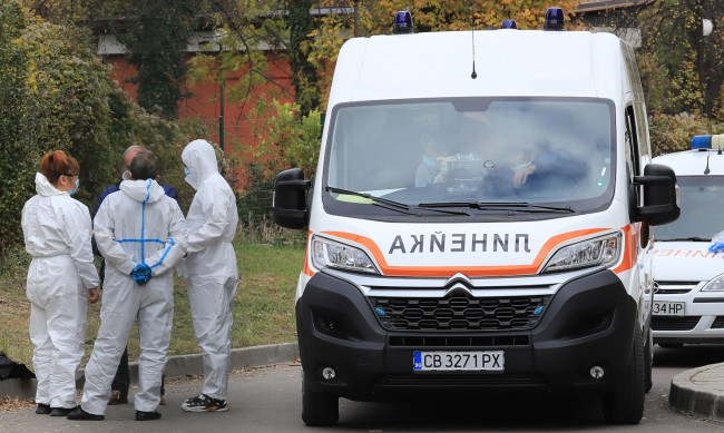 Новите случаи на коронавирус намаляват - 455, но починалите растат