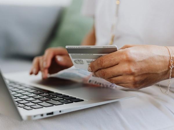 Търговците най-често лъжат потребителите, като крият или дават грешна информация,