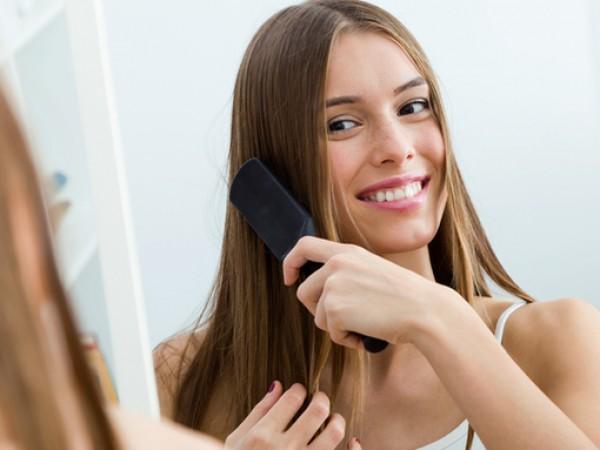 Разресването на косата е ритуал, който някои жени правят с