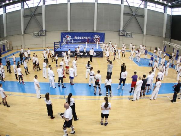 Снимка: Димитър Кьосемарлиев, Dnes.bgНад 120 бойци и треньори се включиха