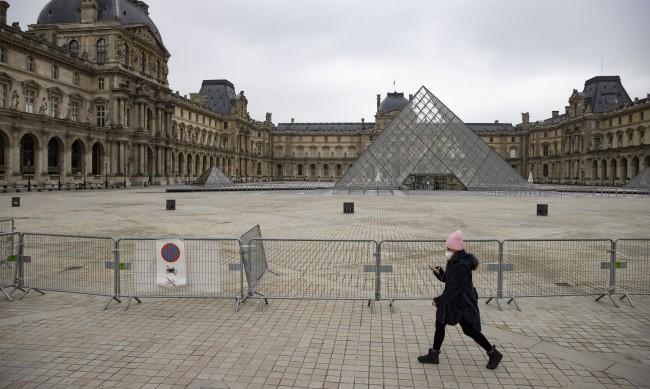 Франция се готви за трети локдаун, уточняват сроковете