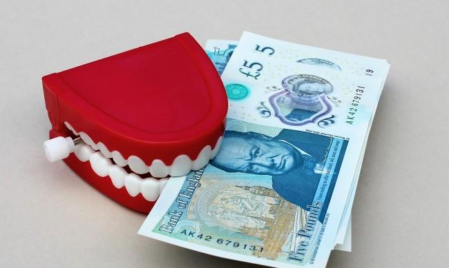 Бизнес нюх: Как британец печели по 12 000 паунда на ден от пандемията