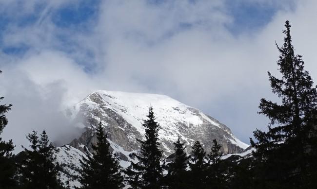 Лавина затрупа и уби сноубордист в Пирин