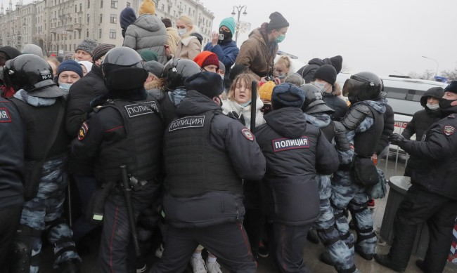 Западът продължава остро да осъжда казуса с Алексей Навални в Русия