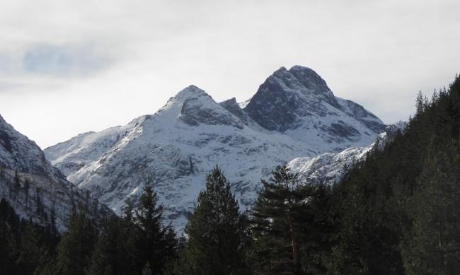 Висока лавинна опасност в планините