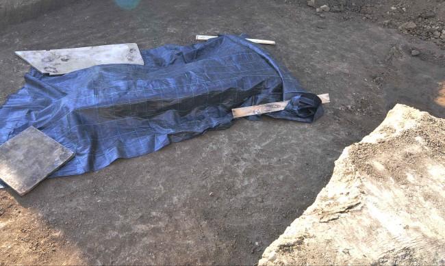 Откриха човешки кости в двор в село край Павликени