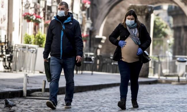 Бременните по-често се заразяват с коронавирус