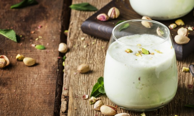 За какво е полезно млякото от шамфъстък?