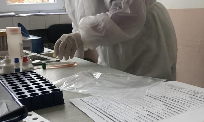 С антигенни тестове изследват учителите в София от 1 февруари
