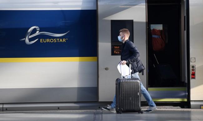 Карантина затваря де факто границите на Великобритания?