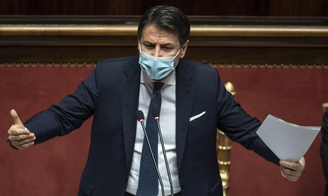 Конте подаде оставка като премиер на Италия