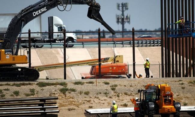 Байдън спря строежа на граничните стени между САЩ и Мексико