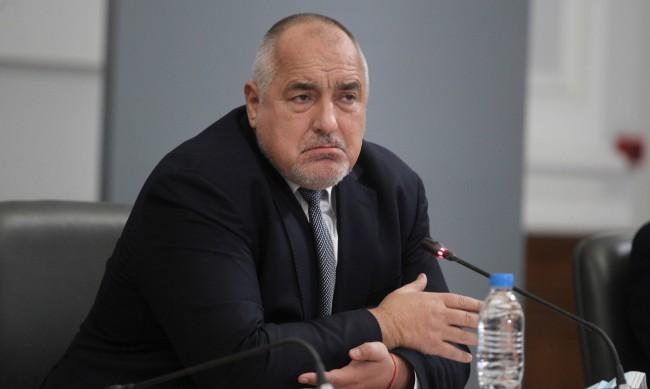 ГЕРБ с крехка преднина пред БСП, Трифонов се настани в тройката