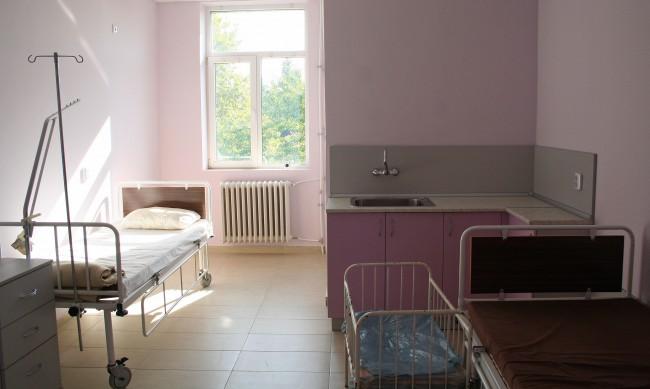 Във Враца с години чакат ремонт на родилното отделение