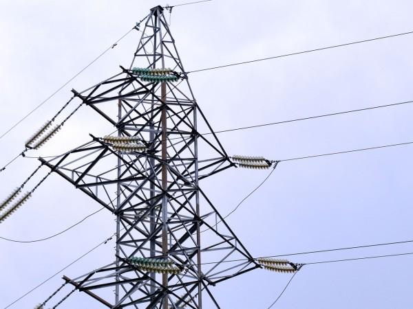 Близо 250 малки населени места са останали без ток в